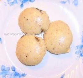 Oats Idly (steamed Oaten cake)